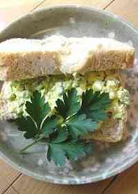 Old School Lunch-Style Egg and Cucumber Salad Sandwiches