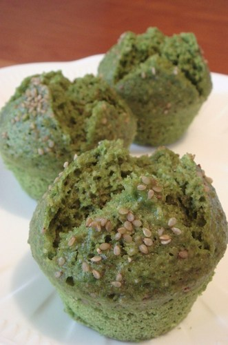 Oatmeal, Matcha, and White Sesame Steamed Bread