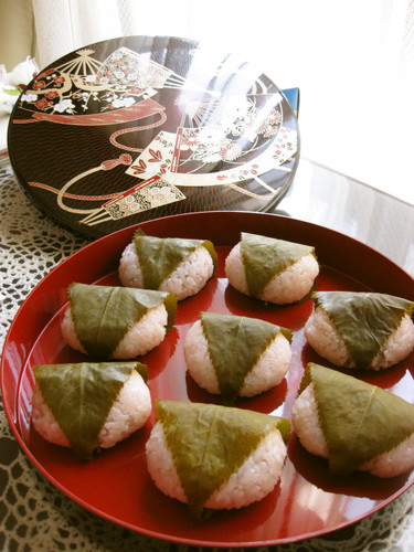 Sakura Mochi - A Recipe Passed from Mother to Daughter