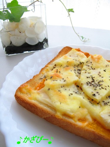 Easy Bamboo Shoot Cheese Toast