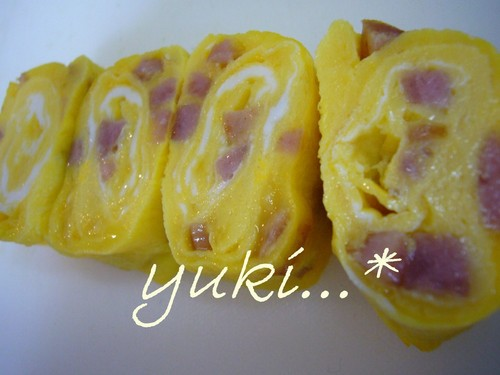 For Bentos: Tamagoyaki With Leftover Sausage