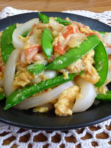 Sweet Onion and Snow Peas with Fluffy Scrambled Eggs