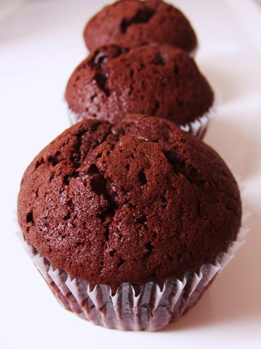 The Easiest Chocolate Cupcakes