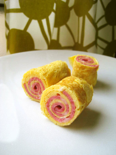 Rolled-up Eggs for Bento