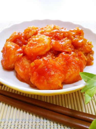 Savoury Prawns Coated in Chili Sauce