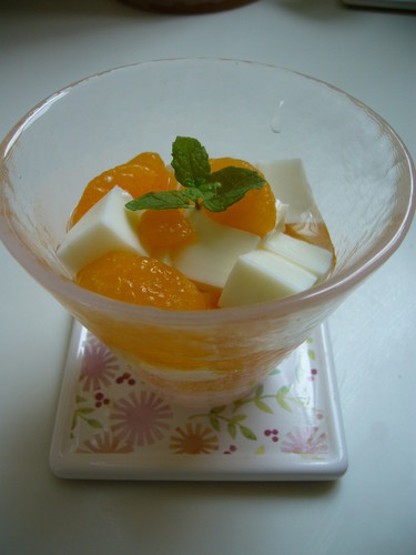 A Great Dessert For Bentos! Wobbly Milk Jelly