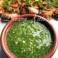 Green Salsa with Tomatillos