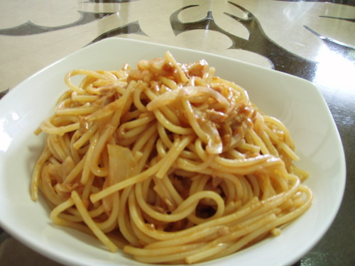 Onion, Tuna and Cheese Pasta