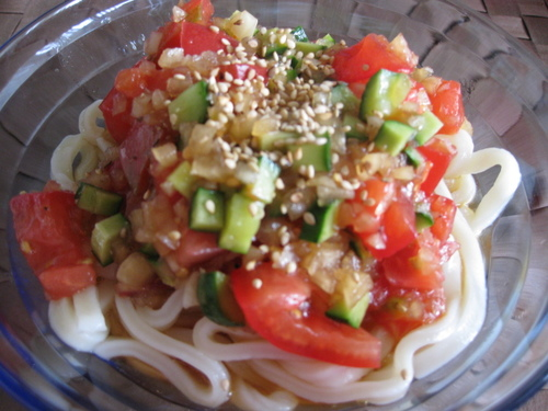 Chinese Style Udon Noodles with Chilled Tomatoes