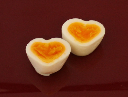 Heart-Shaped Boiled Eggs You Can Make without a Mold