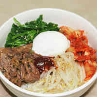 Easy Bibimbap with Yakiniku Sauce