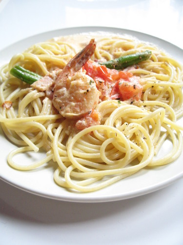 Creamy Shrimp and Tomato Pasta