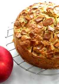 Perfect in Autumn! Light and Fluffy Apple and Black Tea Cake