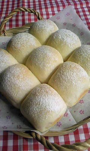Rice Flour White Bread Rolls (with Condensed Milk)