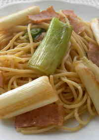 Soy Sauce Butter Pasta with Japanese Leek and Bacon