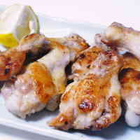 Butterflied Chicken Wings Grilled with Seasoned Salt