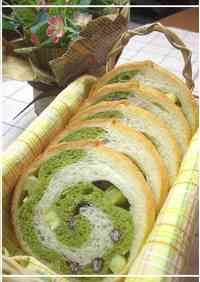 Rolled Matcha Bread with Sweet Potatoes and Adzuki