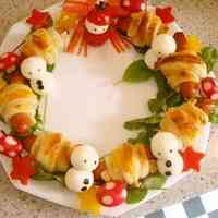 Christmas Frankfurter Sausage Pie Wreath