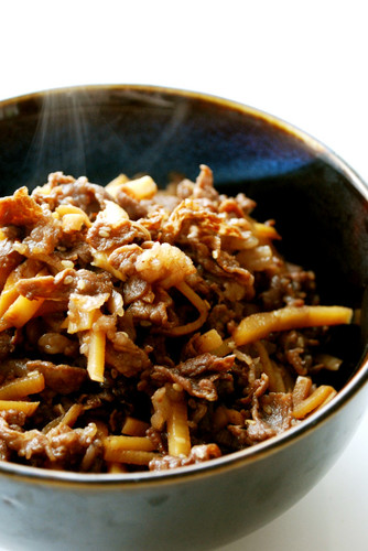 Delicious Stir-Fried and Simmered Beef and Bamboo Shoot (Shigure-ni)