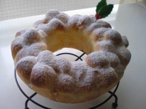 Milky Wreath Bread