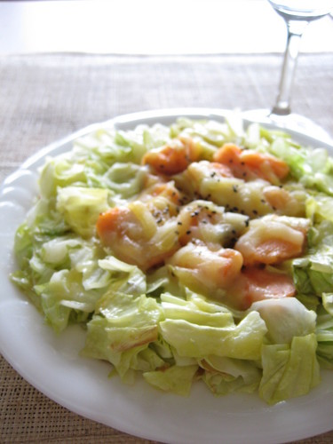 Steamed Salmon and Cabbage with Cheese