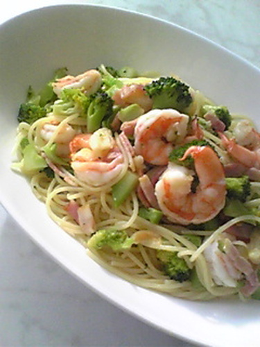 Shrimp and Broccoli Pasta