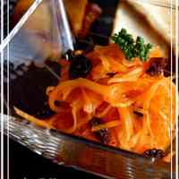 Light and Refreshing Carrot and Raisin Salad