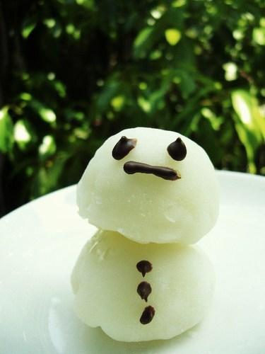 Snowman Shaped...White Chocolate Daifuku